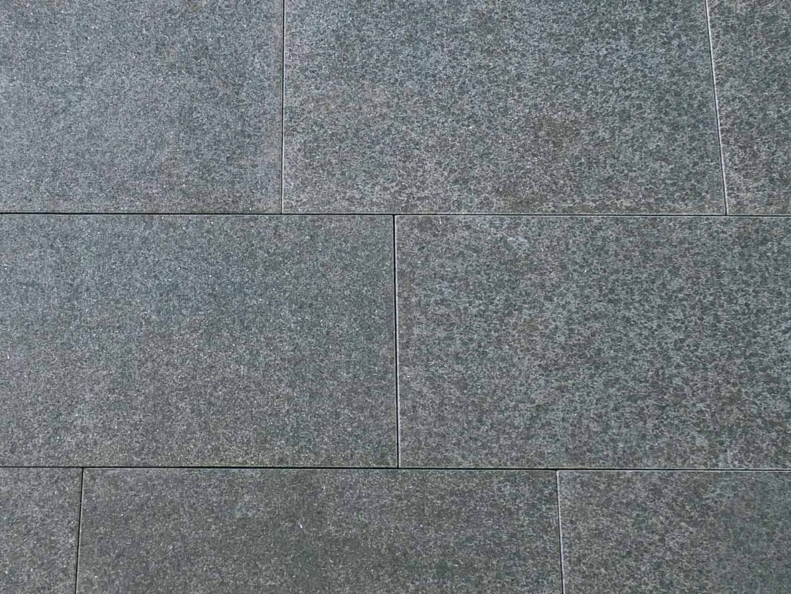 Terrassenplatte Basalt Kristall schwarz