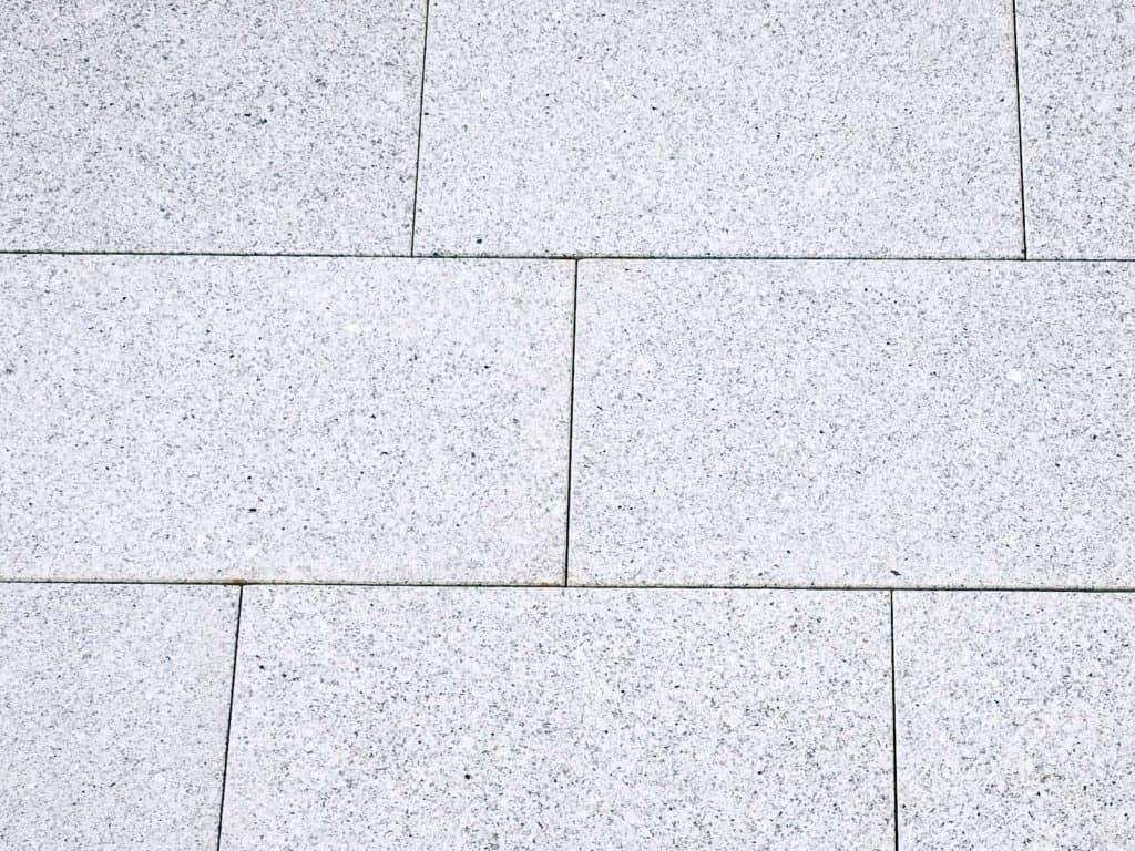 Granit Terrassenplatte aus Granit Kristall grau
