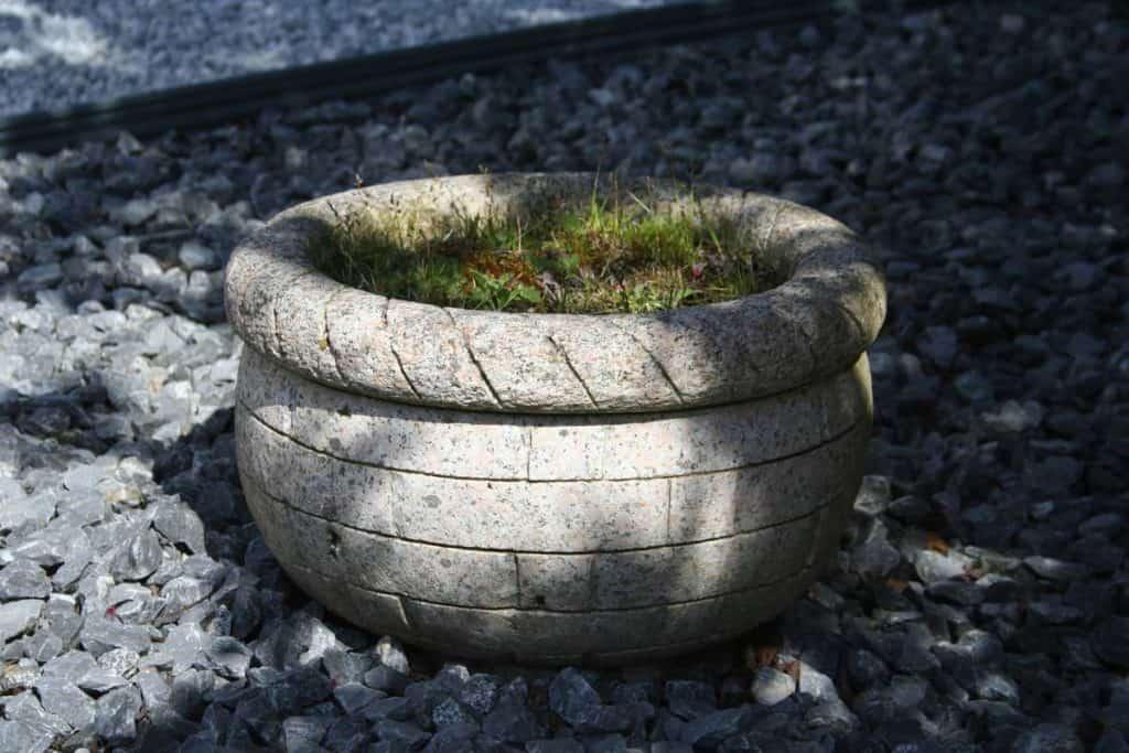 Pflanztrog Korb Granit pink, Gartendekoration