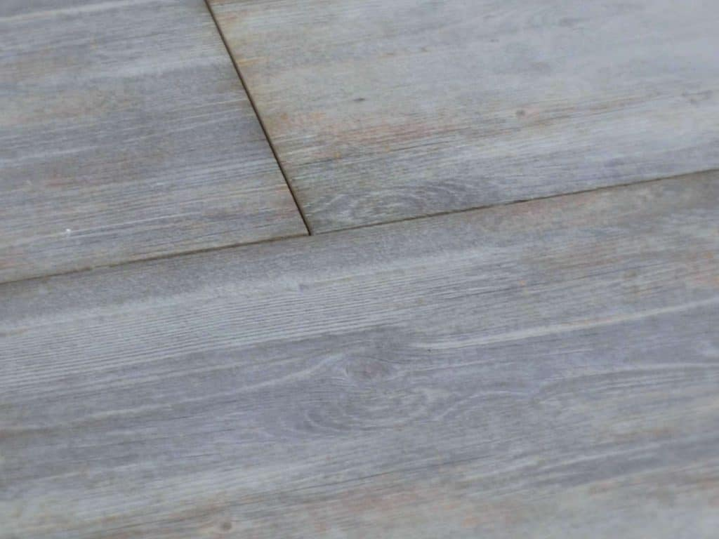 Terrassenplatten ohne fugen for Fliesen holzoptik walnuss