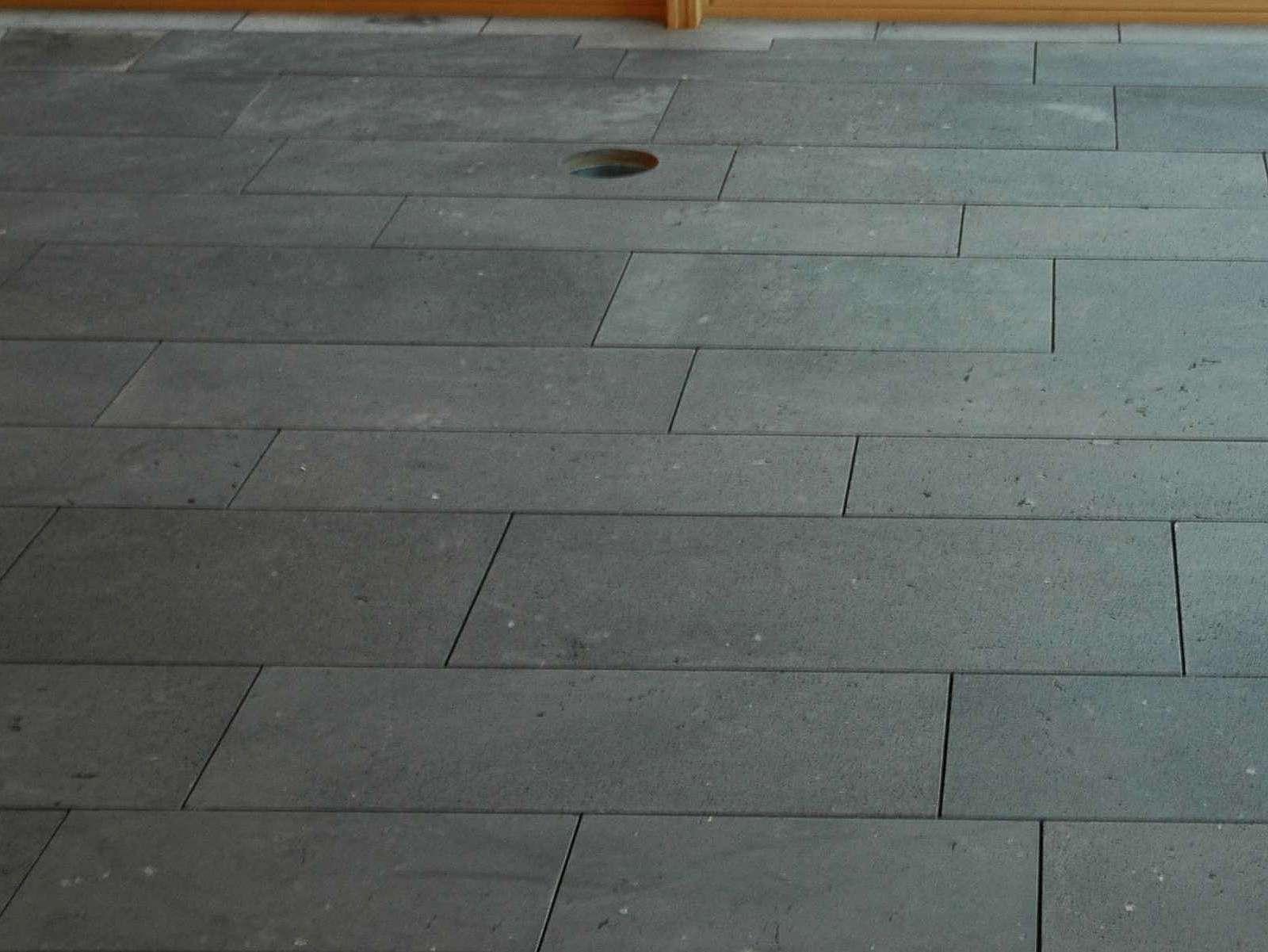 terrassenplatte bahnenware basaltlava eifel. Black Bedroom Furniture Sets. Home Design Ideas