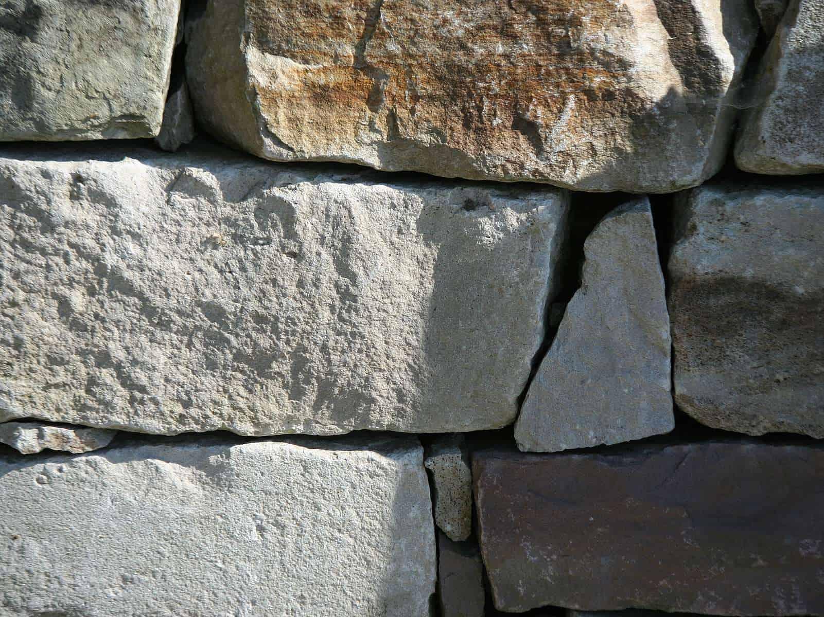 Natursteinmauer Elbtaler Sandstein Schichtmauer