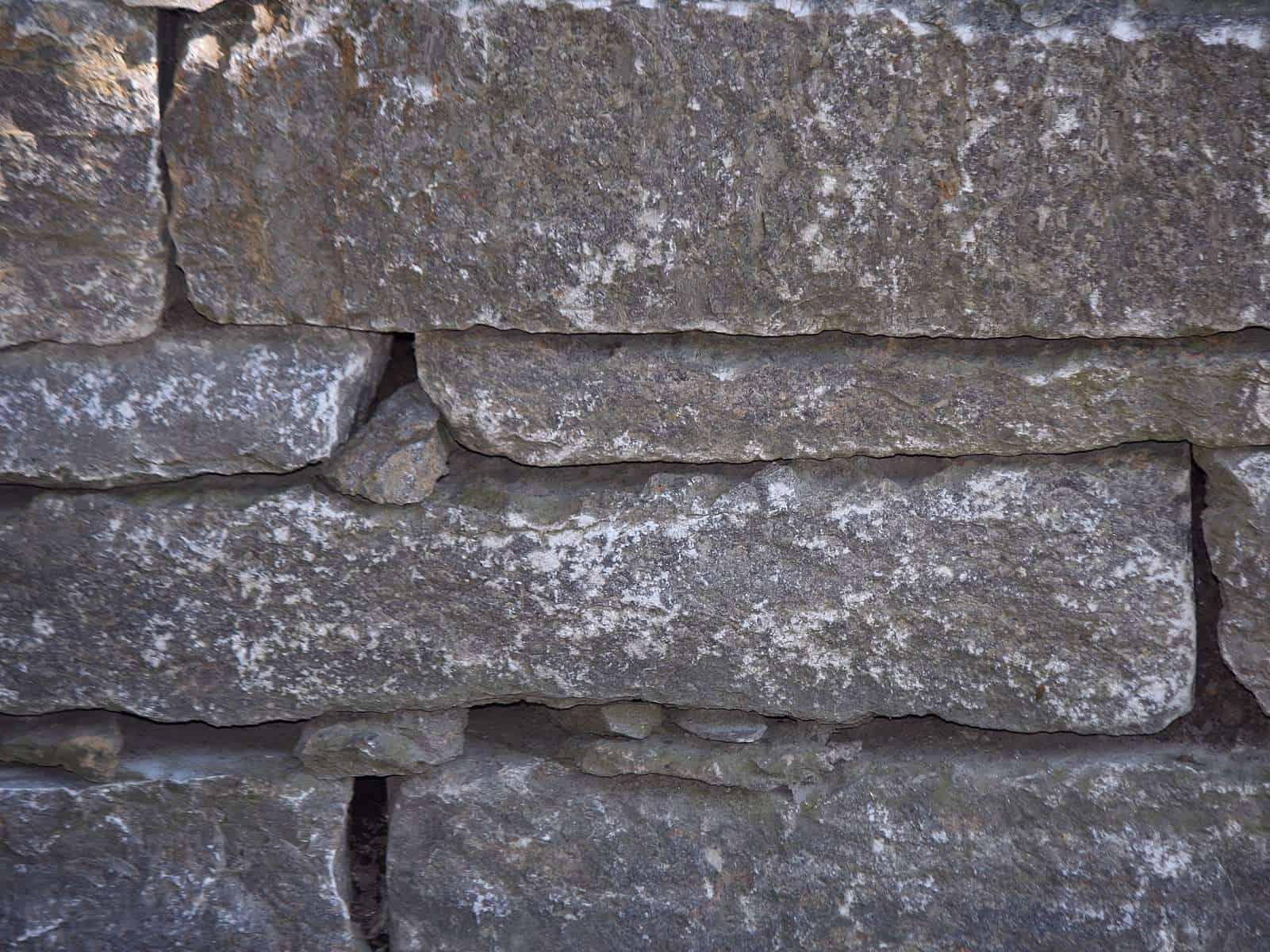 Natursteinmauer Muschelkalk Schichtmauer