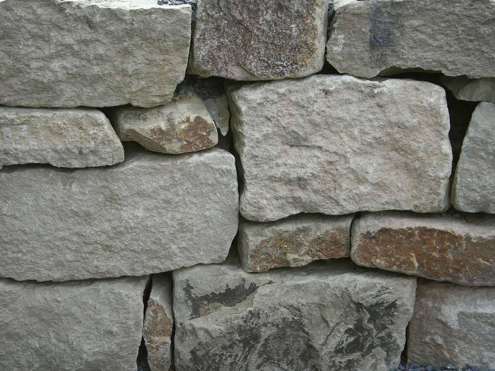 Natursteinmauer Ruhrsandstein Schichtmauerwerk