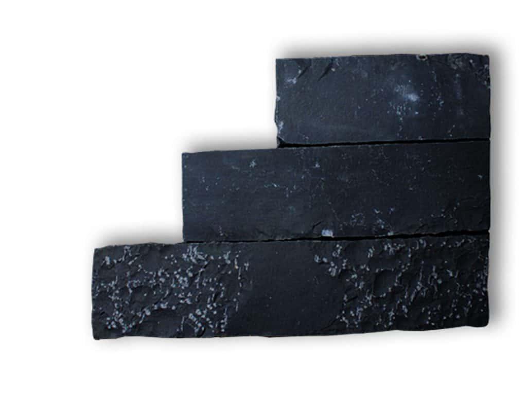 Stele Basalt gespalten und nachgerabeitet