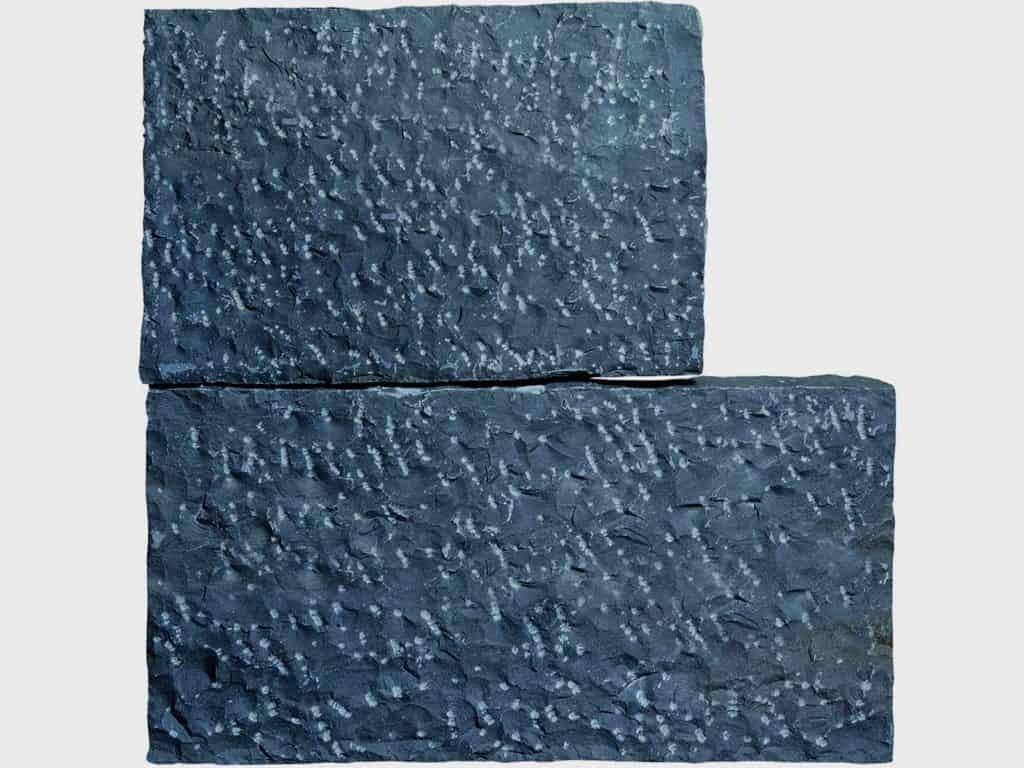 Stele Basalt 50cm
