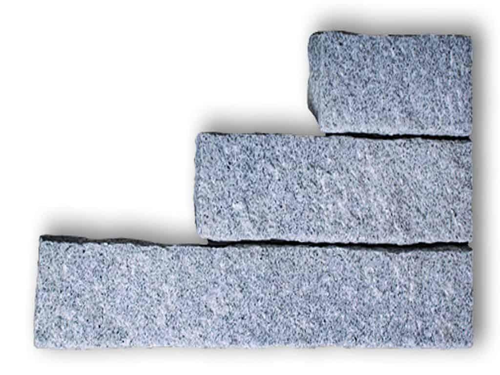 Stele Granit Kristall hellgrau