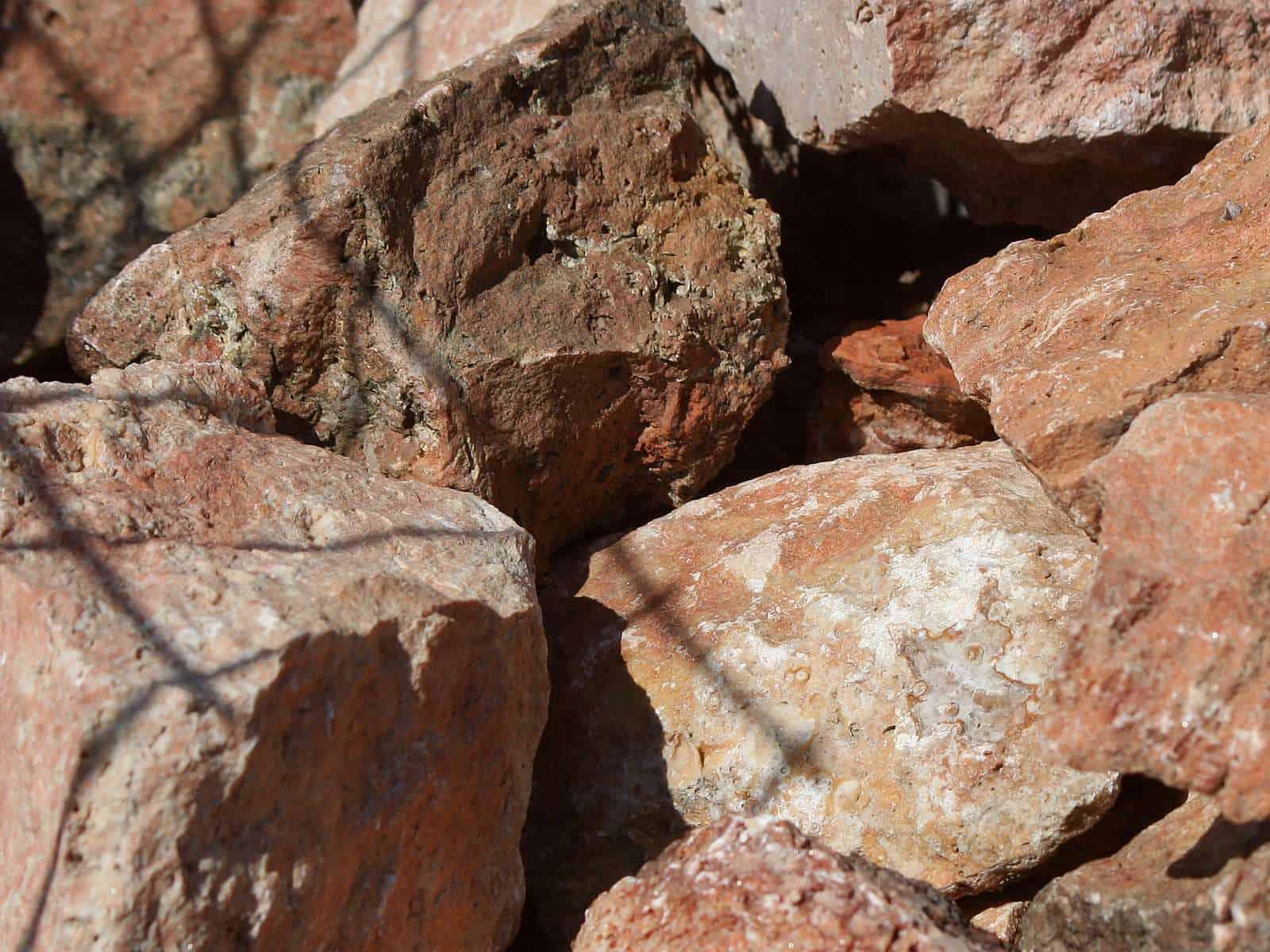 Ziersteine Natursteine Fur Den Garten Ihr Baustoffhandel In Nrw