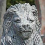 Löwenfigur aus Granit