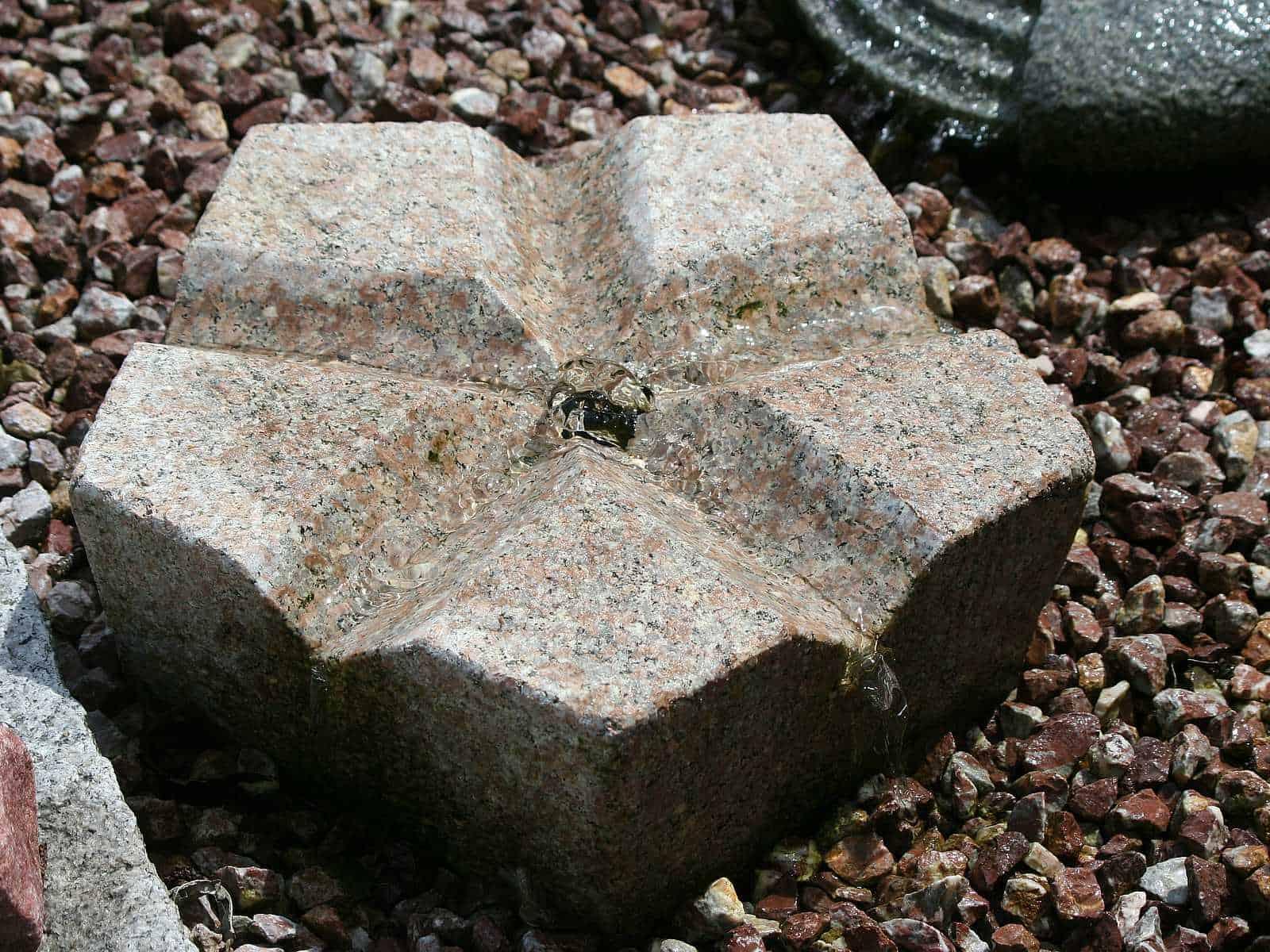 Gartenbrunnen Pentagon